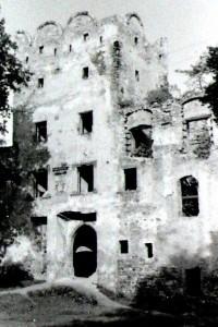 Zamek_180362_Fotopolska-Eu