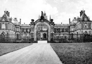 Gate_Palace_Swierklaniec