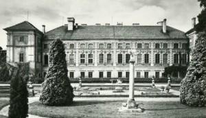 Muzeum_-_Zamek_534432_Fotopolska-Eu