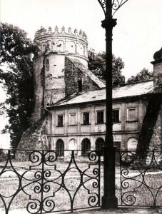 _Zamek_Kazimierzowski_158789_Fotopolska-Eu